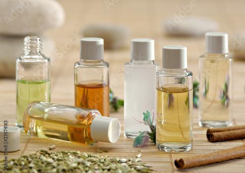 huiles essentielles 10 - 23674163