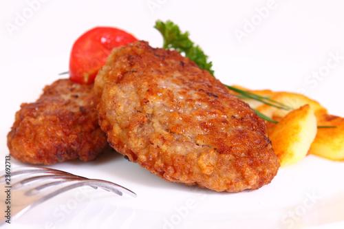 frikadellen mit bratkartoffeln