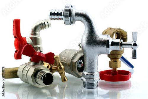 robinets d'eaux - 23708978