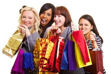 Vier Frauen beim Shoppen