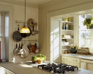 Stovetop on Kitchen Island in Traditional Kitchen
