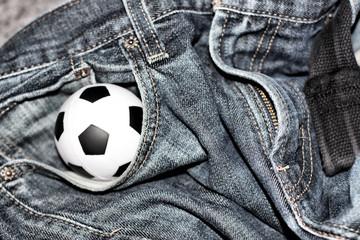 Fussball in der Jeans