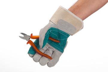 mano di operaio con pinza aperta