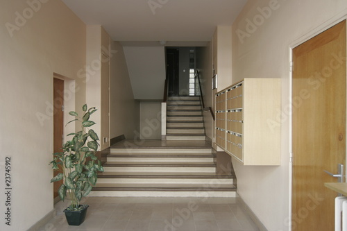 hall d 39 immeuble de photocomptoir photo libre de droits 23745912 sur. Black Bedroom Furniture Sets. Home Design Ideas