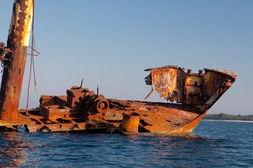 Schiffswrack im Mittelmeer