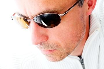 Portrait avec lunettes de soleil