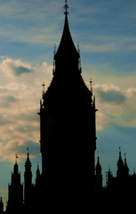 silhouette of Big Ben at dusk