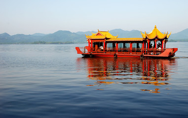Xihu lake in the morning