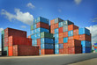 Containers au port - 23876367