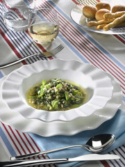 soupe froide d'épeautre et d'herbes