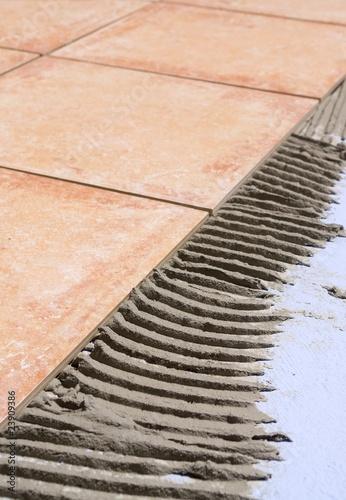 Carrelage et mortier colle de fons laure photo libre de for Mortier colle carrelage castorama