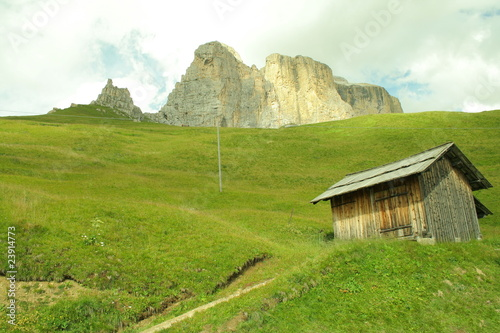 Old barn under Sella pass