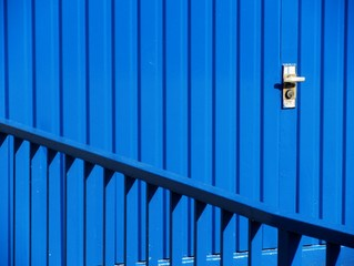 Blaues Garagentor