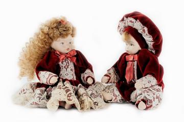 coppia di bambole in ceramica