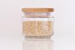 Bocal de graines de quinoa