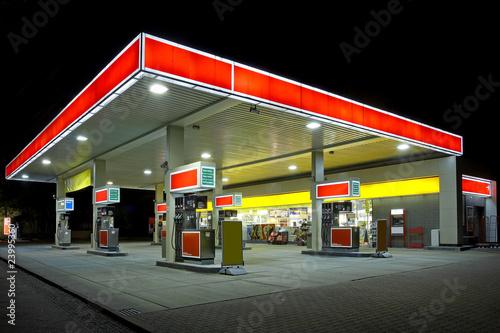 Tankstelle - 23995360