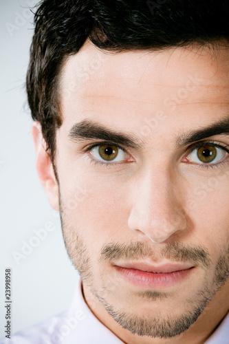 homme brun portrait photo libre de droits sur la banque d 39 images image 23998958. Black Bedroom Furniture Sets. Home Design Ideas