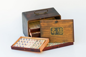 Antique mahjong tiles & wood box Chinese set & happy life sign
