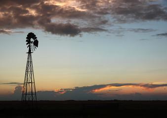 Windrad USA am Abend