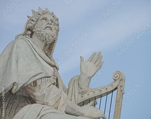 Escultura de David en la columna de la Inmaculada en Roma