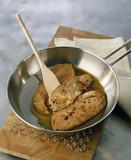 Fototapety poêler les tranches de foie gras