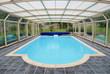 Dans l'abris piscine