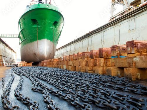 Leinwanddruck Bild Ship and dock