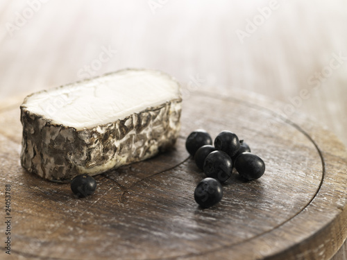 goat's cheese and bilberries