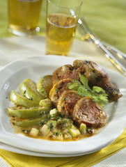 stuffed leg of guinea-fowl with green apples