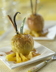 oven-baked caramelized golden apple
