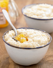 rice pudding with apricot jam
