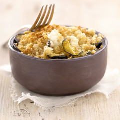 zucchini and goat's cheese crumble