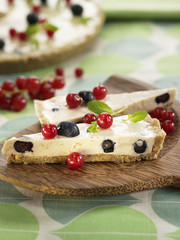 yoghurt and blueberry tart