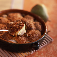 pear crumble with almond powder