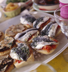 sardine bruschettas with basil