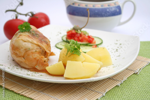 kohlroulade mit Kartoffeln