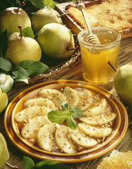 sliced pears with honey