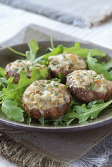 mushrooms stuffed with gorgonzola