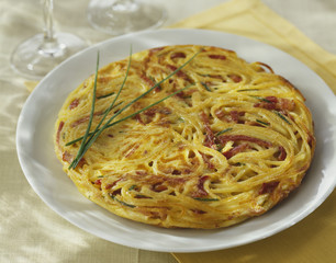 spaghetti and bacon cake
