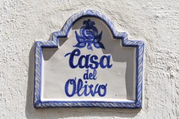 casa del olivo sign