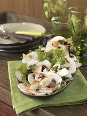 raw button mushroom and cashew salad