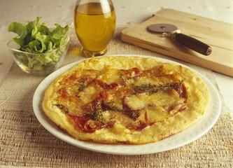 mozzarella,raw ham and cream pizza