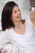 Portrait d'une femme avec des guimauves