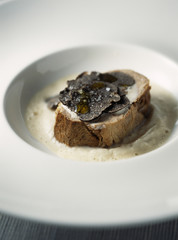 veal fillet with black truffles and cream of jerusalem artichokes