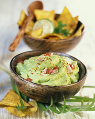 guacamole with tuna