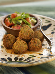 falafels with vegetables