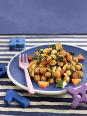 chickpeas with spinach and pine nuts