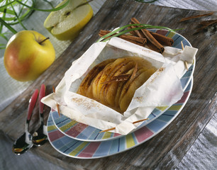 apples with cinnamon with wax paper