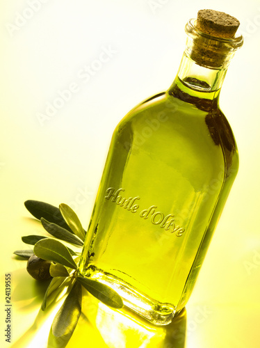 botlle of olive oil