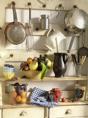 fruit on kitchen shelves